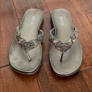 Vintage KENNETH COLE REACTION Pewter Sandals
